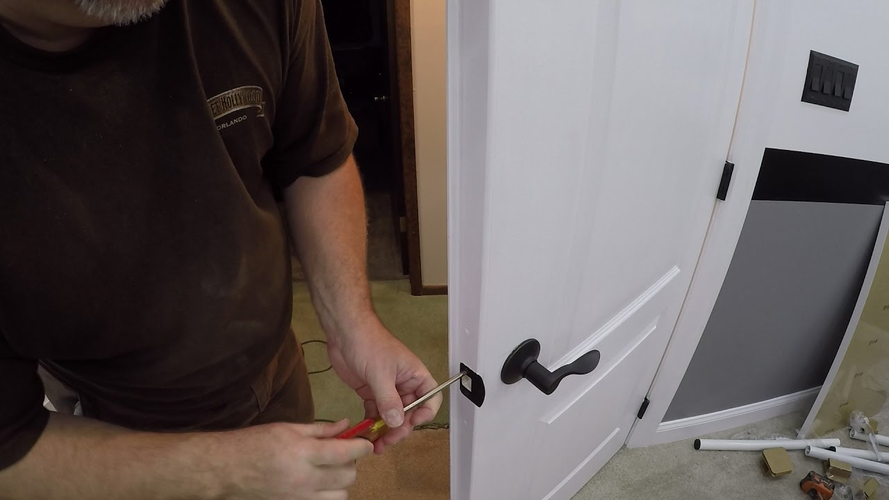 How to Install Door Handles on Double Doors / How to Install a Dummy ...