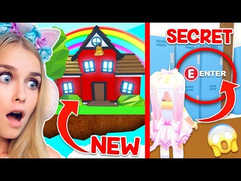 We Found A *NEW* SECRET HIDDEN LOCATION In The SCHOOL In Adopt Me.. (Roblox)