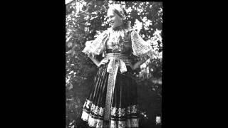 ĽH Hrončekovci - Trhala som bazaličku (Slovak Folk Song)