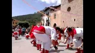 """Bastoners de Peramola amb música de """"Els Laietans"""""""