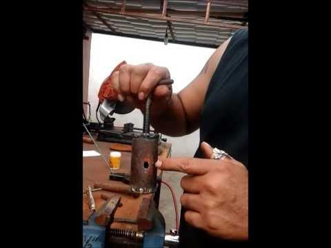 Maquina extrusora para hacer alimento flotante para pec for Como hacer un criadero de peces