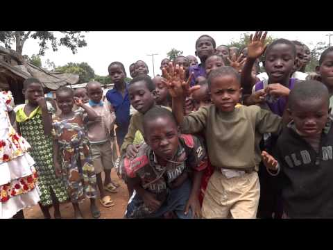Malawi, pretending to make a photo results in funny video!!