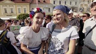 Slovenský Deň kroja: Michal Sýkora a Mária Reháková