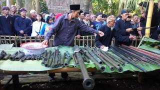 Download Video Ngamandian Pusaka TALAGA MANGGUNG #2 MP3 3GP MP4