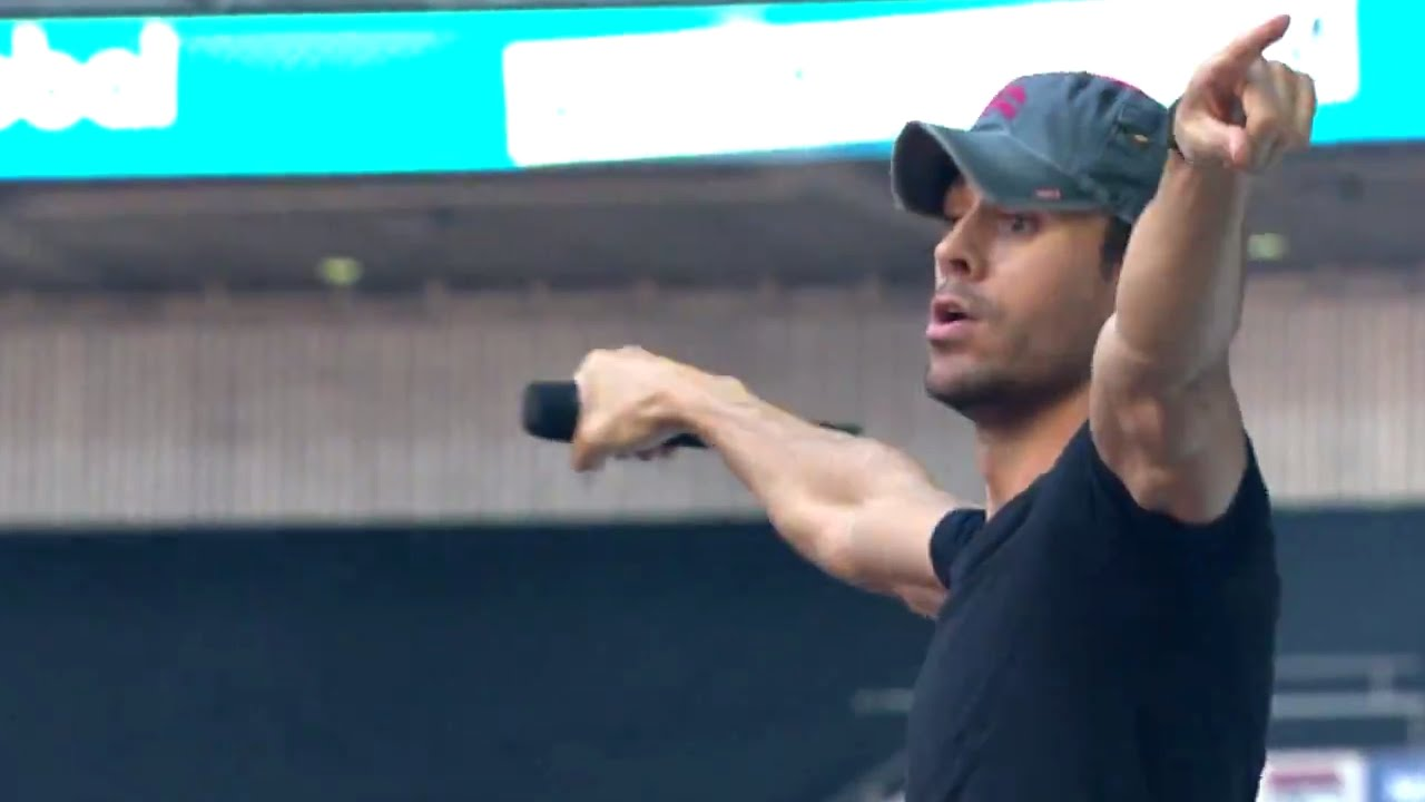 Download Enrique Iglesias - I'm A Freak (Summertime Ball 2014)