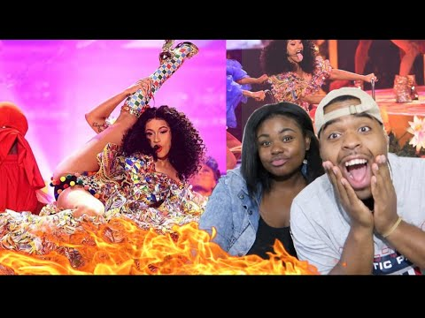 HOW DID CARDI DO 🤔| Cardi B, Bad Bunny & J Balvin - I Like It [2018 AMA's] | REACTION!!!