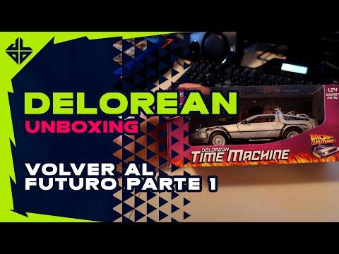 UNBOXING REVIEW Volver al Futuro 1 DeLorean + Termo Lente Fotográfico