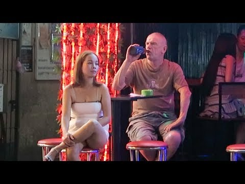 Vietnam Nightlife 2018 - Bars, Cheap Beer & Girls!!!