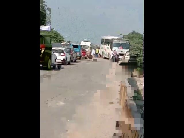 Rishikesh raiwala Mein yatriyon se Bhari bus