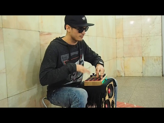 Max DetaL' aka Onminor играет в метро 2017.12.05