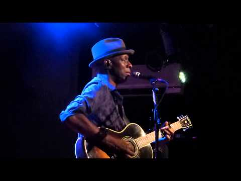 Keb' Mo' - The Old Me Better (New Morning - Paris - July 28th 2014)