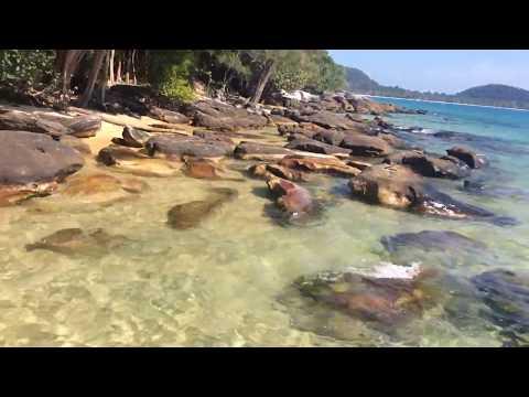 beautiful-cambodia-sea-at-rong-island-nice-view-and-amazing