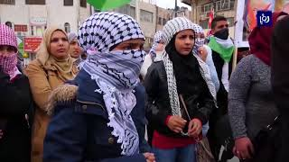 تظاهرة ليلية تطالب برفع العقوبات المفروضة من السلطة الفلسطينية على غزة  - (10-6-2018)