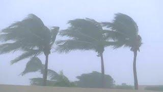 Ισχυρός κυκλώνας πλήττει το Ομάν thumbnail