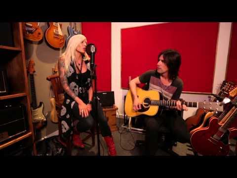 Roland AC-40 Acoustic Chorus Guitar Amp Introduction