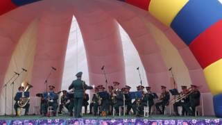 Военный оркестр Южно-Сахалинска на 9 Мая в Долинске.