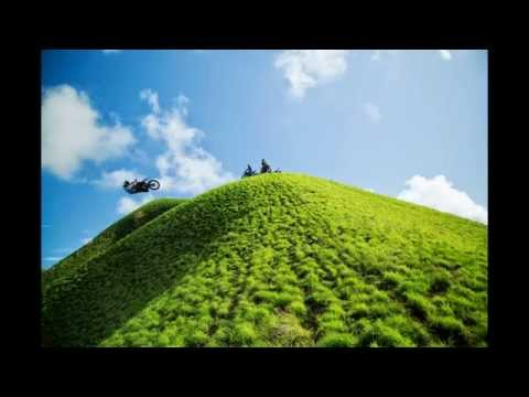 FMX Free Riding in New Guinea - Photo Slideshow