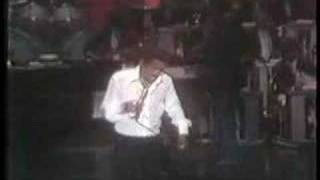 Sammy Davis sings Baretta