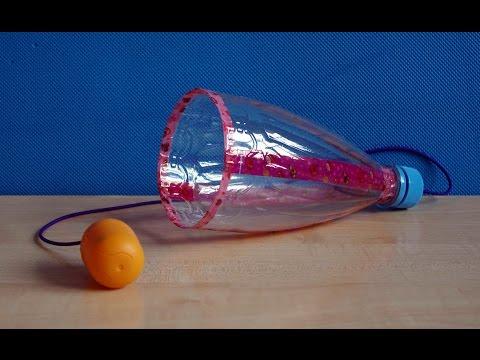 Поймай шарик. Поделки из пластиковых бутылок для детей своими руками. Игры без игрушек.