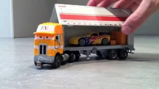 Gambar cover Disney Cars 2, Truck and trailer Paul Valdez
