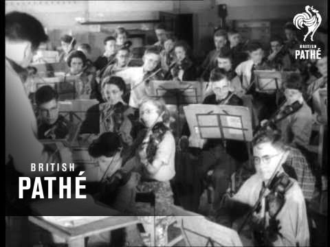 Edinburgh Acclaims Youth Orchestra Aka National Youth Orchestra (1952)