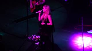 Avril Lavigne - Hello Heartache (Live at Sao Paulo)