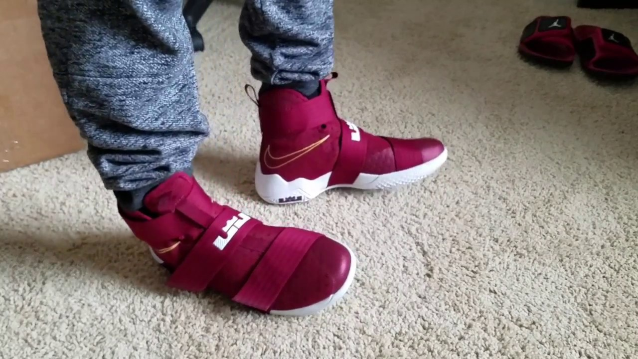 purchase cheap 2e9b5 23ec9 Vlog 81 LeBron Soldier 10 Team Red   Team Red 844374668 link to buy a pair  in description