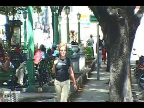 MUJER QUE ESPERA, Isabel Santos en Santiago de Cuba, dirección: Carlos Barba