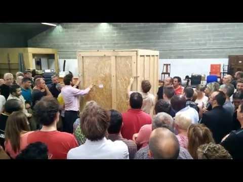 Vente Aux Enchères Dun Garde Meuble à Savenay Youtube