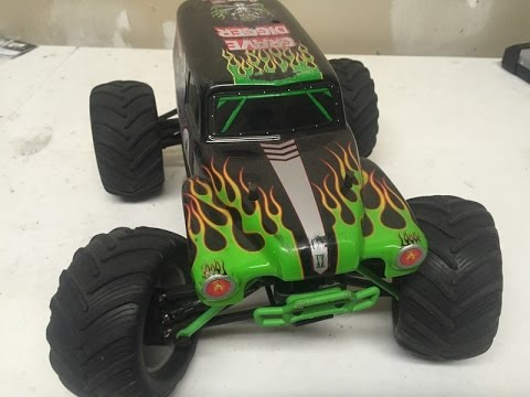 1/16 Traxxas Grave Digger VXL Brushless 2S LiPo Jumping Snow Piles