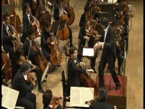 Daniel Müller-Schott plays Saint-Saëns Cello Concerto No.1 in A-Minor Op. 33