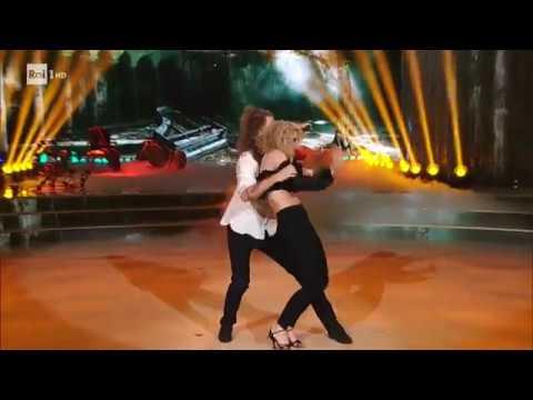 La Bachata di Giaro Giarratana e Lucrezia Lando - Ballando con le Stelle 28/04/2018