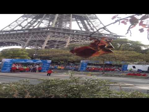 footage from the starts of Paris-Versailles 2014