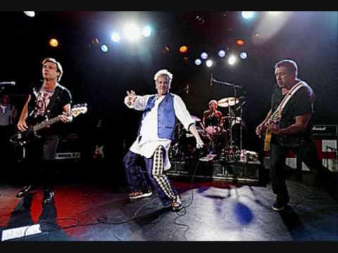 Sex Pistols-God save the queen (lyrics)