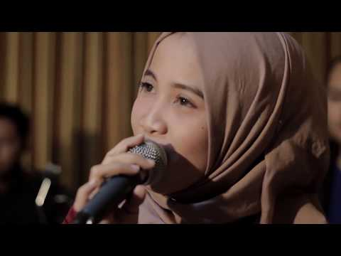 She Will Be Loved - Maroon 5 (Cover By Neuma Ft. Adee)