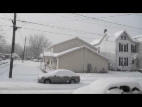 Snow fall in Erie pa