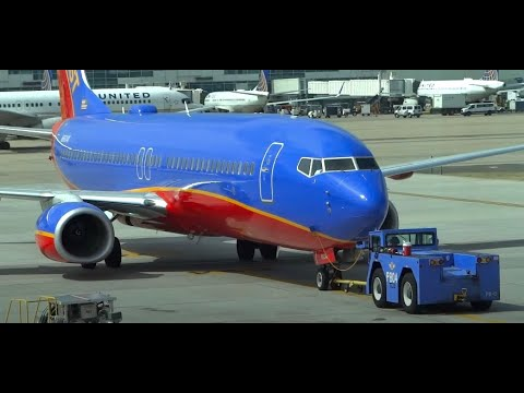 (HD) Denver International Airport KDEN / DEN - Plane Spotting from Concourse C