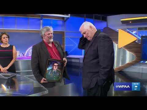 Dale Hansen becomes emotional after surprise portrait of childhood best friend