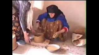 The last Iranian woman potter using the ancient technique