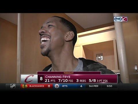 Channing Frye gets distracted by Cleveland Cavaliers teammates after season-high 21-point game