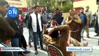 लखनऊ: कोतवाल के पैरों में गिरकर गिड़गिडाती बुजुर्ग मां का वीडियो वायरल.. एसएसपी ने किया लाइनहाजिर