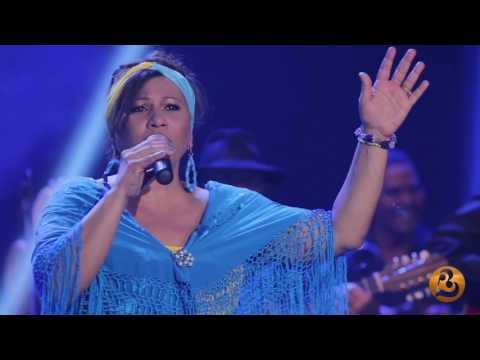 Maria Victoria-María de Luz (Live)
