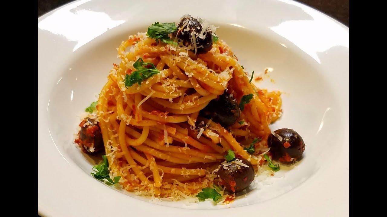 Spaghetti alla puttanesca mario batali