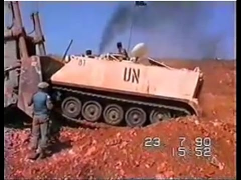 Israel Attacks UN With Diggers in Lebanon - July 1990