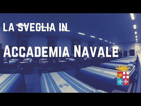 Sveglia mattinale per gli allievi dell'Accademia Navale