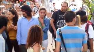اعتصام بالقبلات تضامنا مع مراهقين مقبوض عليهما بالمغرب