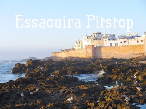 Travel Vlog: Arriving in Essaouira, Morocco (Straight off the bus!)