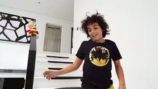Sami and Amira they found animals at home ( سامي وأميرة وجدوا حيوانات في المنزل