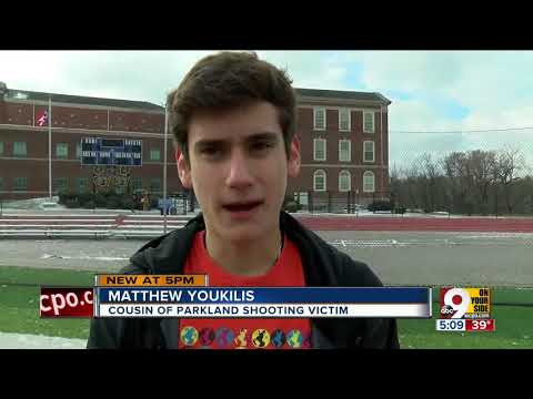 Walnut Hills students honor Parkland victims