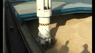 NEUERO Shipunloader for Biomass at Essent